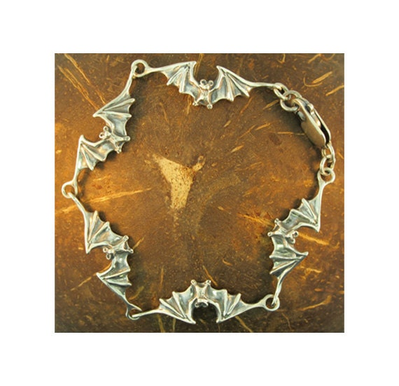 Bat Bracelet Silver - Bat Link Bracelet - Bat Jewelry - Silver Bat - Gothic Jewelry - Halloween Jewelry - Bat Lover