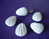 5 Snowy White Vintage Lucite Beads Fluted Shells Madeleines
