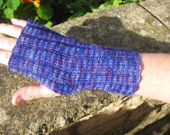 Unisex Fingerless Mittens -  Fingerless Gloves -  Hand  Warmers - Hand knit. Val380.