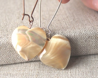 Heart Dangle Earrings, Mother of Pearl drop earrings, mother daughter gift, Boucles D'oreilles, romantic jewellery  E569