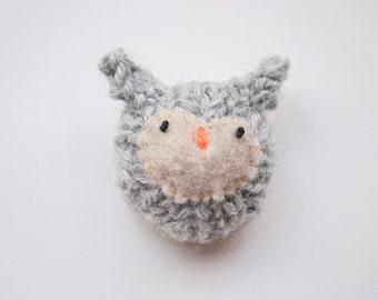 Little grey owl knitted amigurumi brooch