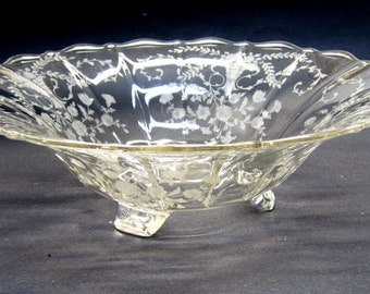 1930s Cambridge Glass Portia Large Etched Bowl Baskets and Flowers