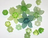 Lucite Flower Beads -12 Daffodil Flower Beads Green Mix and Match