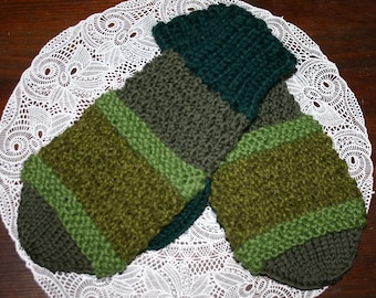 Hand Knitted Mittens OOAK in Green Tones Unisex Mittens M-L  Free shipping