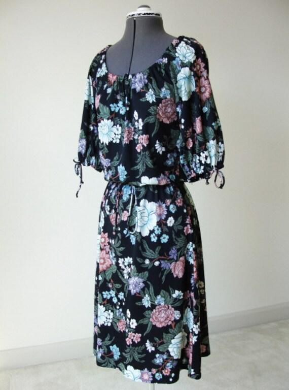 Black Flower Dress Vintage.