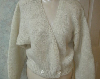 Vintage ivory  button front mohair sweater, 100% mohair double button casual sweater, sweater with ribbed detail by Perry Ellis size M