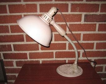 Vintage 1930s/40s Art Deco Industrial Gooseneck Adjustable Beige Metal Desk Lamp