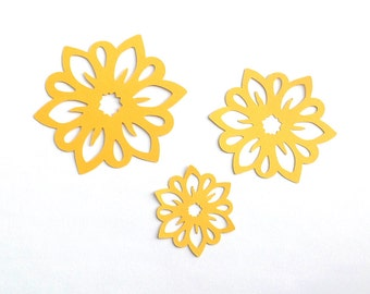 Cheerful flower die cuts 3 sizes  set of 6