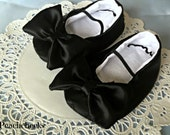 Alice in Wonderland Black Satin Shoes Sizes 0-18 months PERFECT FOR HALLOWEEN