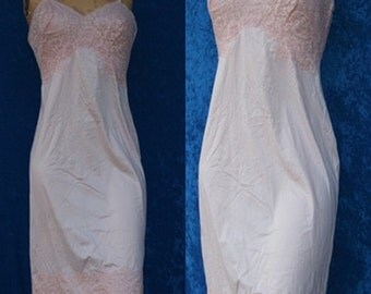 Vintage 1950s 50s 60s Vanity Fair Bridal Wedding Embroidered Pink Lace Full Slip Dress