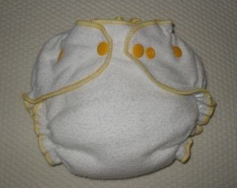 Bamboo/Zorb fitted diaper with yellow snaps and edging