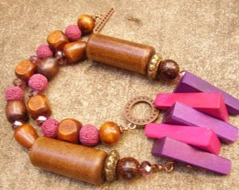 Purple and Fuchsia Wood Geometric Triangle Necklace Set