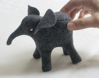 Eco-friendly ELEPHANT Soft Sculpture Plush Toy Peluche—Endangered Babies, Vegan, Eco-Felt & Organic Cotton Stuffing [Gris éléphant elefante]