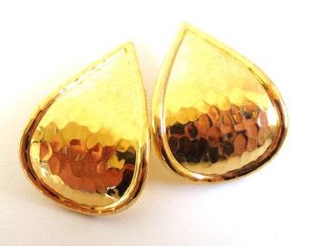 Vintage 80's Avon // Textured Teardrops Learge Earrings