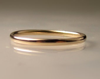 Thin Women's Gold Wedding Band, 1.5mm recycled 14k Gold Ring, Made to Order