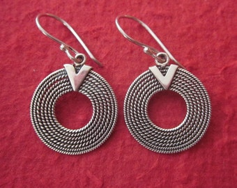 Sterling Silver Dangle Earrings / Balinese technique / Bali handmade jewelry / silver 925 / 1.25 inch long