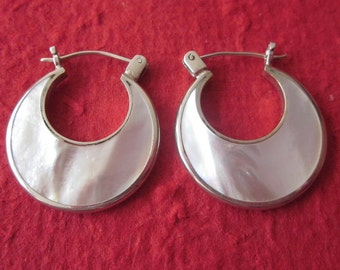 Sterling Silver White mother of pearl Hoop Earrings  / silver 925 / Bali handmade jewelry / 1 inch long