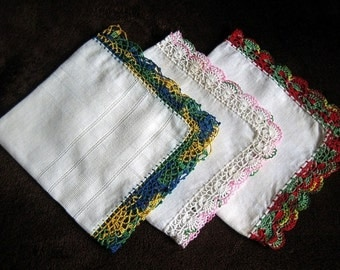 Hankie Set Handkerchief Linen Vintage 3 Piece Colorful CROCHETED LACE Trim Hems