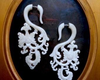 Fake Gauge Earrings White Garden