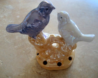 Vintage Ceramic Bird Flower Frog     Circa 1940s   Japan
