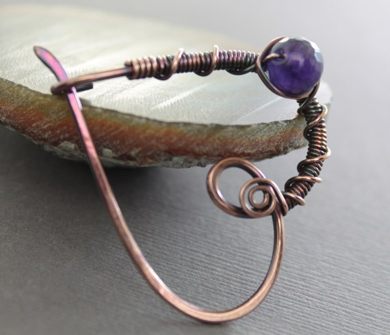 Shawl pin, scarf pin in heart shape with copper and purple amethyst stone - Heart pin - Amethyst pin - Fibula - Copper pin - Brooch