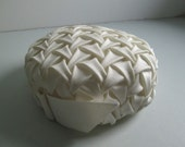 Smocked pillbox Hat.  Cream white.  Vintage 1960.  Excellent condition.  mad men. Jackie O  Pill Box