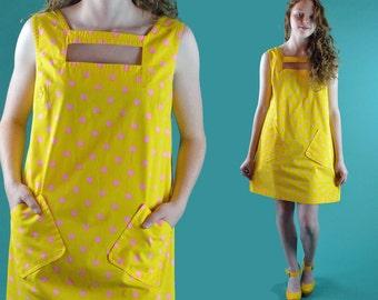 60s Mod Dress Vintage Mini Dress / Mini GOGO Dress Cutout Tent Polka Dotted Yellow Sleeveless  Go Go Sheath Shift Dress M / L