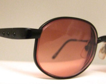 Vintage  Serengeti Transit  Sunglasses  // Matt Black // Oval Lens // with case // model 5656