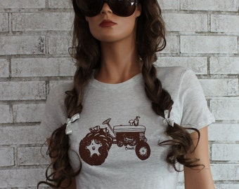 Tractor T Shirt, Farmer, Farmers Daughter, Crewneck Tshirt, Heather Ivory, Ladies Graphic Tee