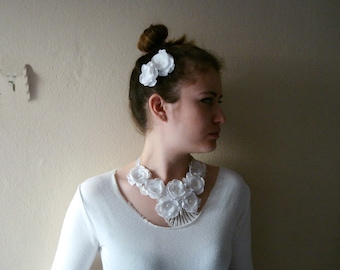 White lace necklace with flowers and two hairpins set