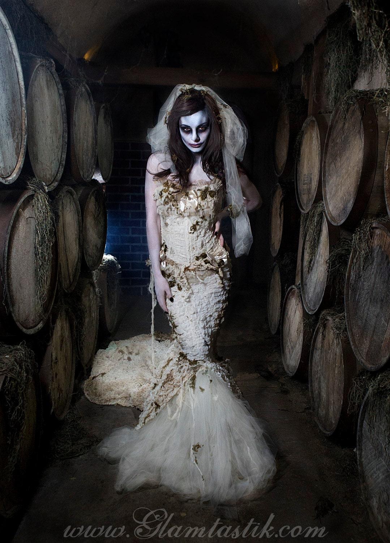 Custom Size Ivory Burlesque zombie Bride corset mermaid style