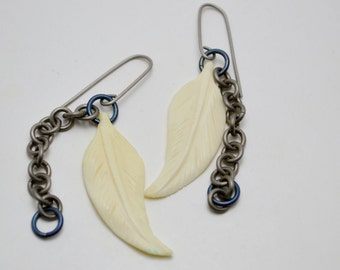Titanium Basic Chain and Bone Feather Earrings