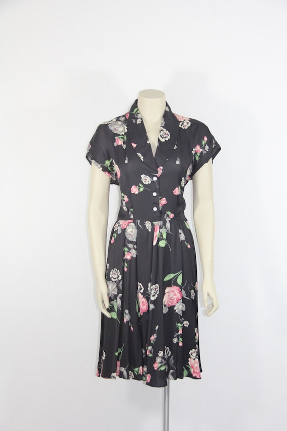 Beautiful 1940's Vintage Dress - Navy Blue with Pink and Grey Roses Novelty Print - 36 / 27 / full