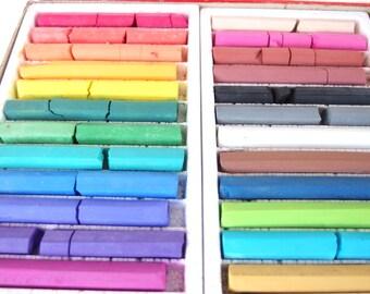 Fine Art Dustless Colored Chalk 24 Colors