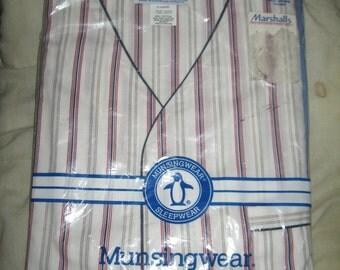 Vintage Munsingwear Mens striped  knee length pajamas new in package   sz large
