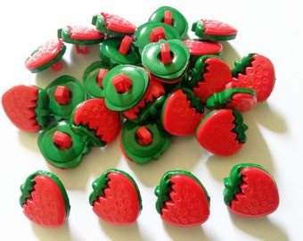 25 pcs Cute red strawberry shank button