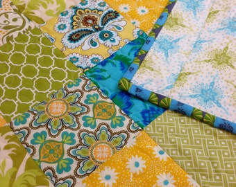 CLEARANCE! 50% OFF, Daffodil, Little Girl, Modern Baby Quilt, Crib Quilt, Toddler Quilt, Baby Quilt 33 x 44