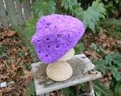 Crocheted Tween Fan Stitch Hat om Purple