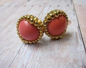 Vintage Monet Gold tone and Peach/Pink Plastic Clip On Earrings