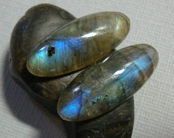 AAA, Fiery Blue Green Flash Labradorite Smooth Elongated Oval Cabochon, 25x10mm - A16-5