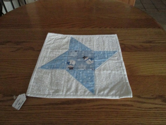 Quilted table centerpiece mat friendship star