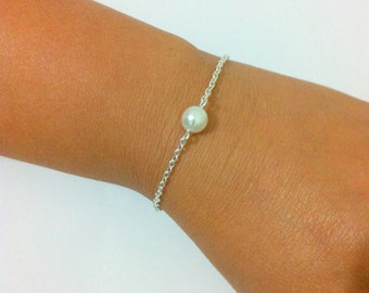 50% OFF - Single Pearl Bracelet  -  suitable as Bridesmaid Pearl Bracelet Gift, Floating Pearl Bracelet, Bridesmaid Gift