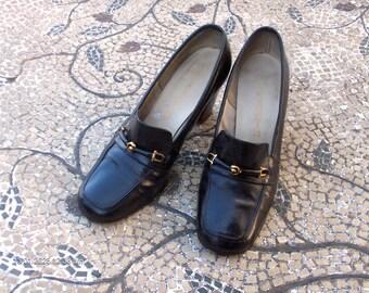 Vintage Ladies Black Leather Florsheim Heels with Horse Bit Decor - Great Condition
