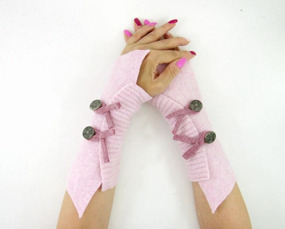 fingerless gloves arm warmers fingerless mittens arm cuffs pale pastel pink recycled wool eco friendly fall autumn tagt team teamt