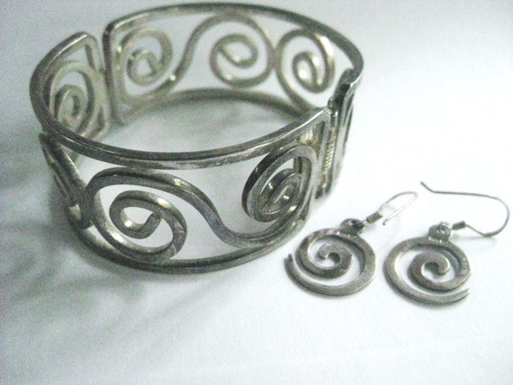 Vintage Goddess Combo Swirl Spiral Sterling Silver Earrings Stamped 925 and Silver Tone Spiral Swirl Bracelet  FREE SHIPPING