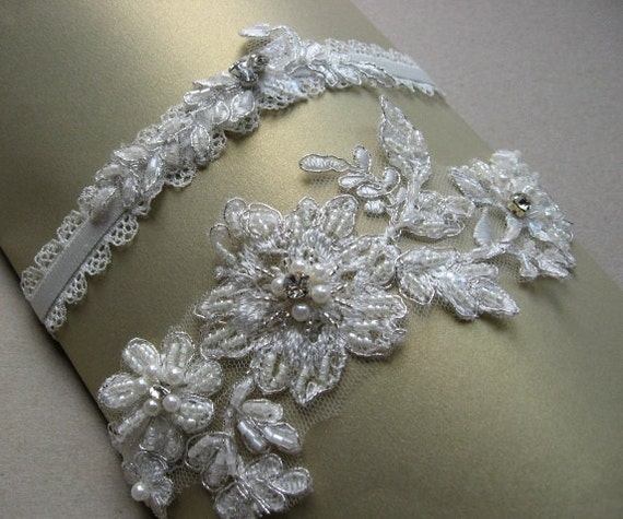 Ivory Garters Wedding: Wedding Garter Set Ivory Bridal Lace Garter Set By LeFlowers