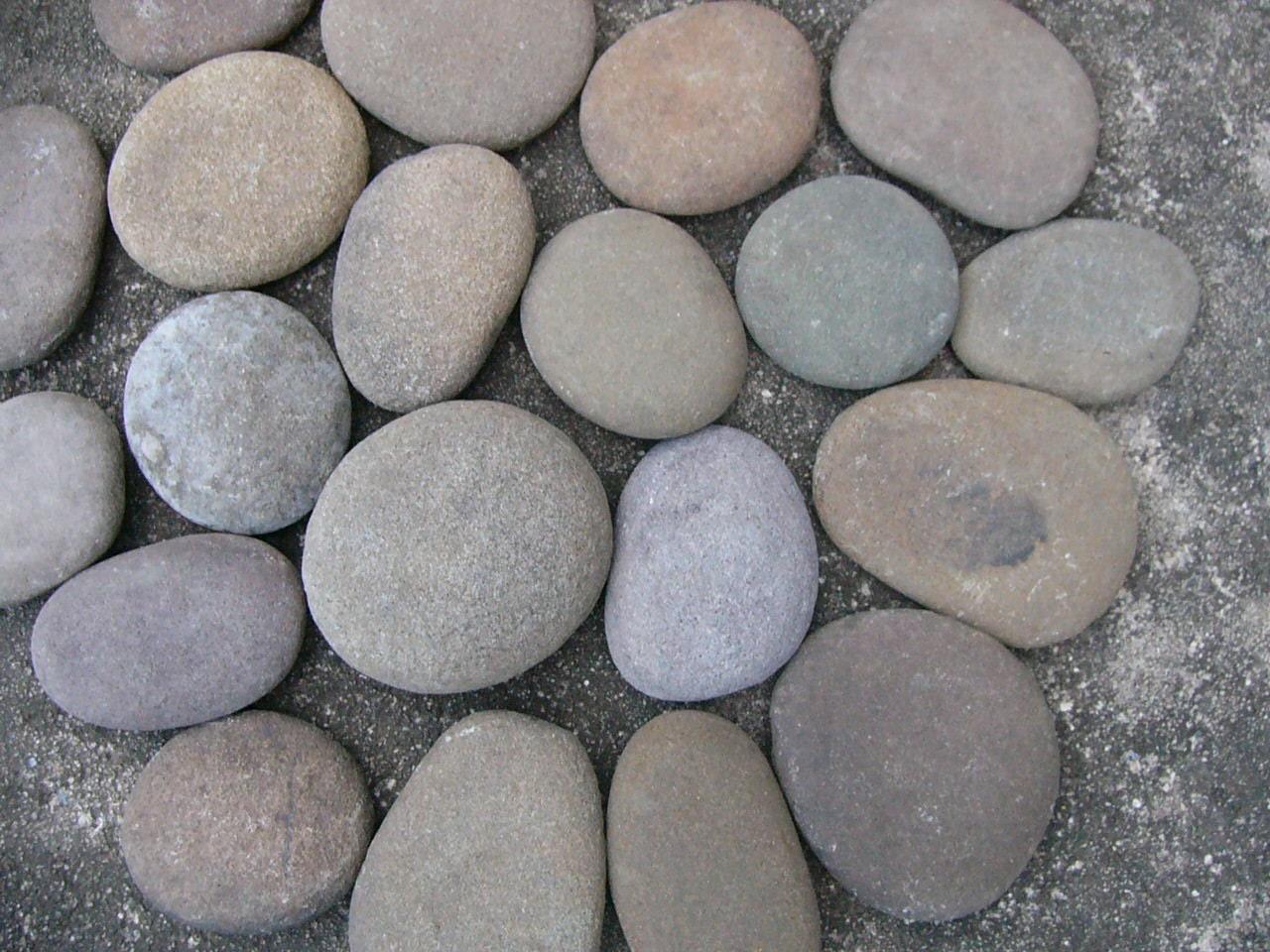big round river rocks stones garden rocks large chunky rocks