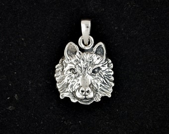 Wolf head Pendant in Sterling Silver