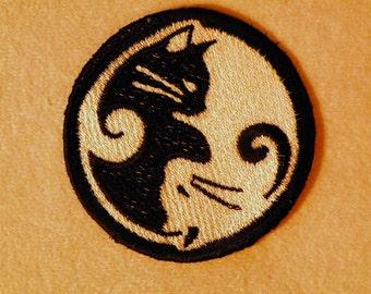 """Yin-Yang Kitty Iron on Patch 2.75"""""""