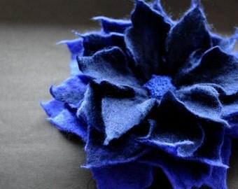 Navy Blue Felt Flower Brooch, Blue Flower, Felted Flower Brooch, Marine Felt Flower, Floral Accessories, Royal Blue Flower, Merino Wool Pin